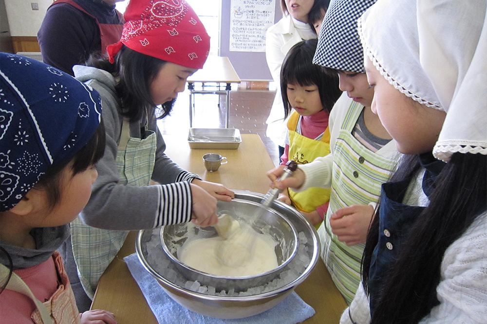 ミルク工房アイスクリーム作り体験